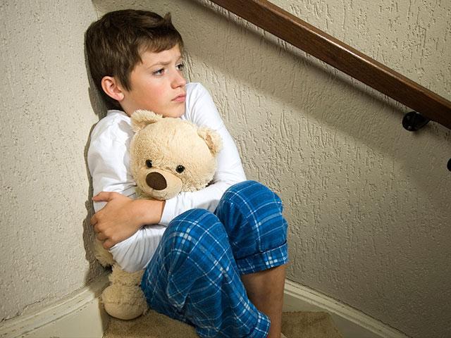 depressed-boy_SI